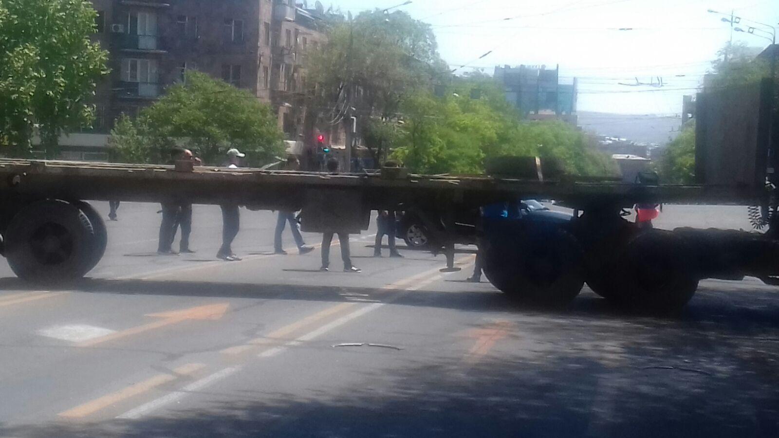 Camion per bloccare le strade