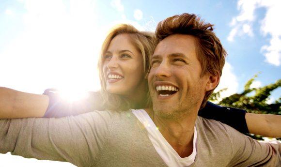 C'è legame tra essere felici in amore e mettere peso: lo dice uno studio