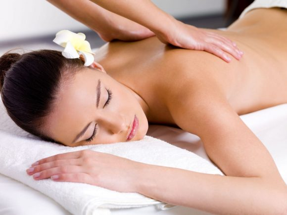 Massaggio Ayurvedico, è possibile ringiovanire il corpo