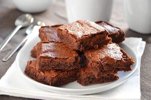 Brownies al cioccolato al micronde, ricetta per quando si ha il tempo contato