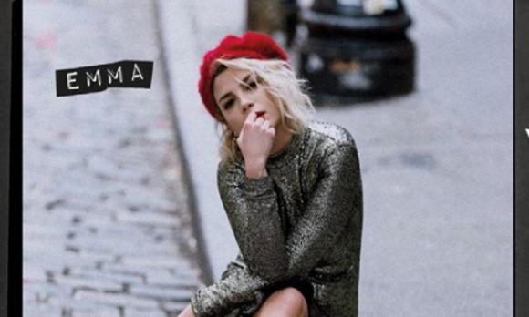 Emma Marrone in lacrime al concerto di Ancona dopo l'attacco leghista