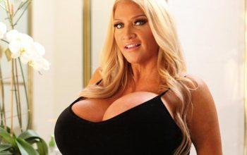 Allegra Cole e il suo seno