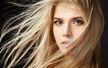 Donne con i capelli biondi