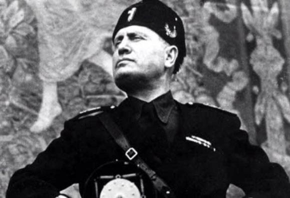 """Mussolini: """"Dittatore e liberticida"""". Così Mantova revoca la cittadinanza onoraria al Duce"""