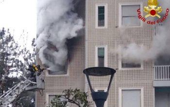 Milano incendio in via Quarenghi
