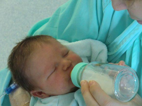 Bonus latte artificiale: 400 euro all'anno fino al sesto mese, le novità