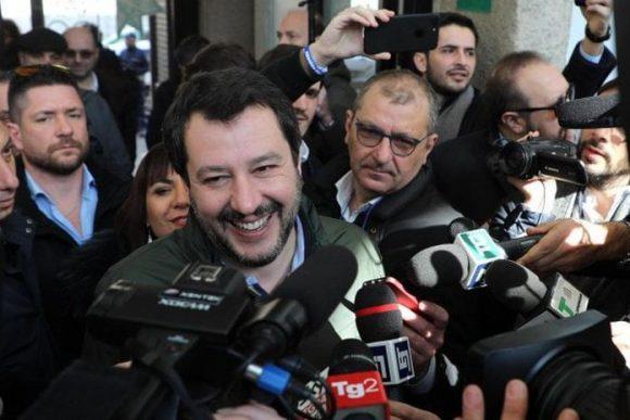 """Salvini bacchetta il presidente della Bce, per Bruxelles meno tasse. Apre verso il Pd: """"Si al governo politico o voto"""""""