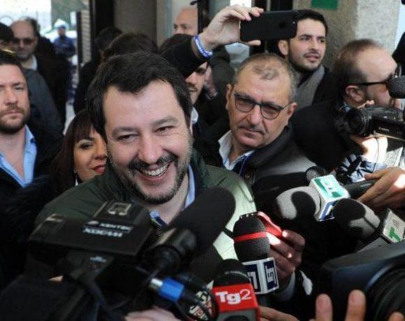 Salvini pronto per un governo politico