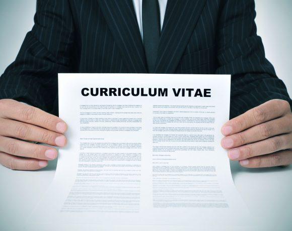 In cerca di lavoro? Ecco come scrivere il tuo curriculum nel modo giusto