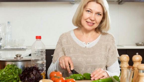 Pensione casalinghe 2018, la domanda a 57 anni