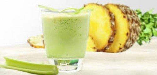 Dieta dell'ananas e sedano: come perdere chili e bruciare grassi