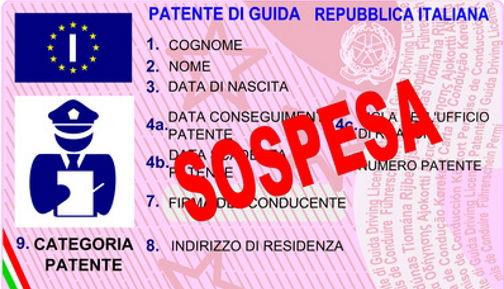 Sei gay? Patente sospesa. Lo Stato paga a titolo di risarcimento 100mila euro