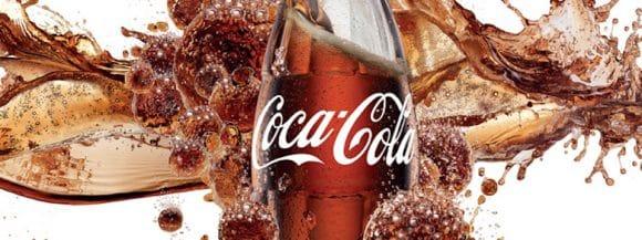 Allarme Coca-Cola, possibili filamenti di vetro nelle bottigliette da 20 centilitri: ecco i lotti
