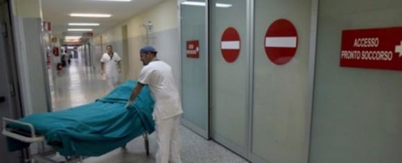 Compleanno a Catania, tra droga e alcol, 14enne pugnalato alla gola