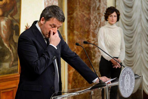 Matteo Renzi stoppa i Giuda del PD