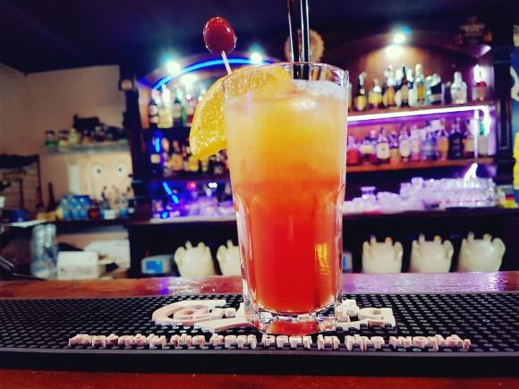 Alabama Slammer: un cocktail vecchio stile fresco e dolce