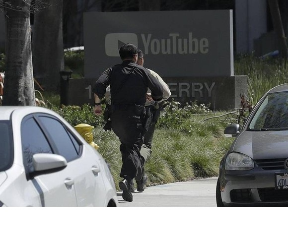 Spari in sede Yuotube California: il killer questa volta è una donna