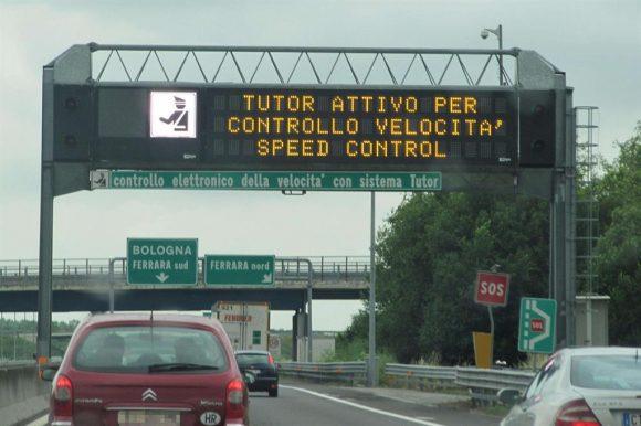 Multe e vacanze, come evitare i Tutor attivi in autostrada da fine luglio