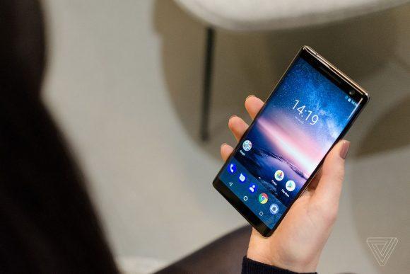 Nokia 8 Sirocco finalmente in Italia: prezzo all'altezza delle aspettative?