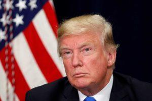 Il presidente Donald Trump dice che chiederà un'inchiesta sul fatto che la sua campagna elettorale sia stata infiltrata per fini politici.