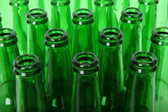 Perchè le bottiglie di birra hanno il collo lungo e stretto?