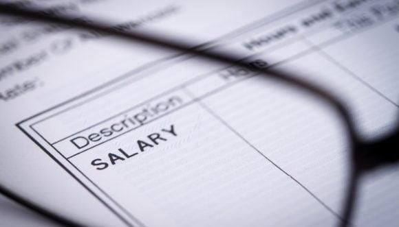 Stop alla busta paga in contanti dal 1° luglio, quali regole devono eseguire i datori di lavoro?