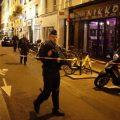 Terrore a Parigi, accoltella passanti in centro: 8 feriti e un morto