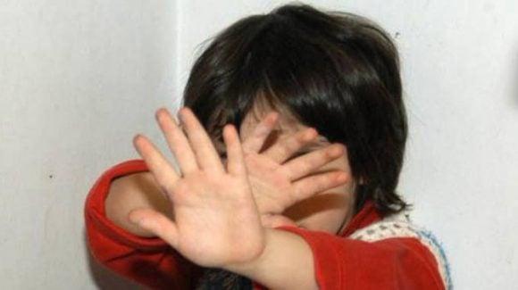Abusava di una bambina di 3 anni, 24 enne arrestato grazie ad una confidenza, ecco cos'è successo