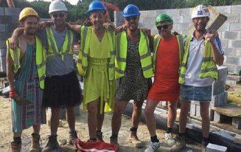 muratori in minigonna