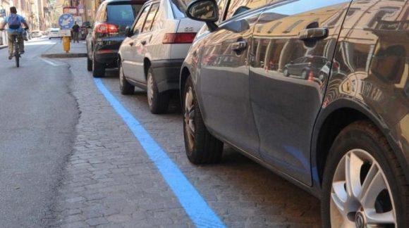 Come parcheggiare gratis quando ci sono strisce blu
