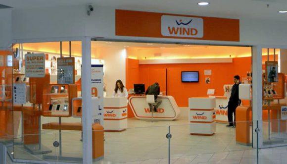 Wind, appetitosa offerta: 100 GB e minuti ed SMS illimitati a 9,99 euro/mese