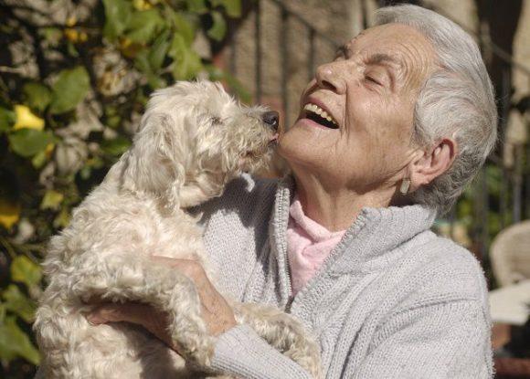 Ravenna, cercasi volontari disposti a scrivere le vite degli anziani