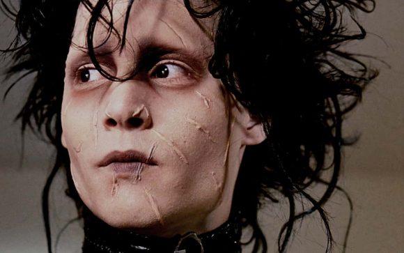 Edward mani di forbice e l'ambiguità di essere sé stessi