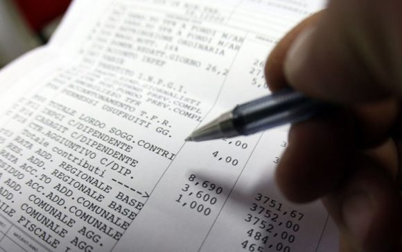 Il datore di lavoro non paga stipendi e contributi: cosa fare