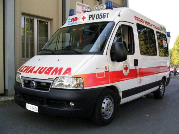 Italiano denunciato in Svizzera, dietro l'ambulanza per emergenza