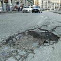 Buche stradali cosa fare? quando e come spetta il risarcimento