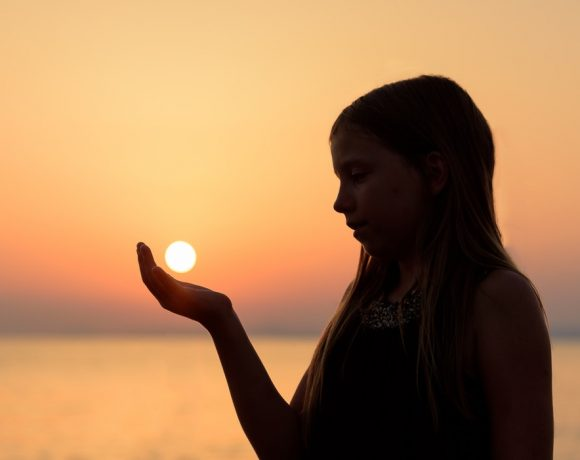 Occhi a rischio in estate: quali sono i danni del caldo e del Sole?