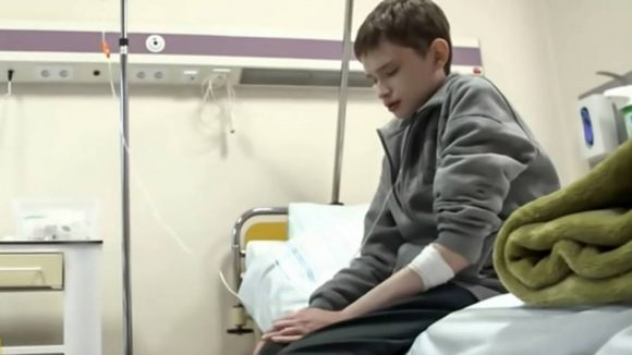 Tomasz Nadolski dimostra soltanto 12 anni pur avendone 25, ecco la sua malattia