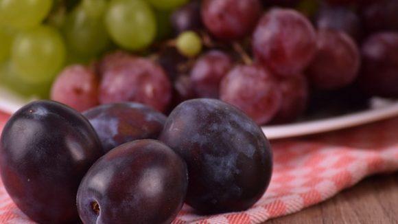 Una donna muore soffocata da un chicco d'uva davanti alla madre