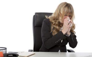 Lavoro durante periodo di malattia, c'è rischio di licenziamento?