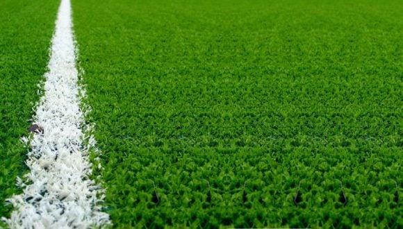 Calcio: l'erba sintetica provoca il cancro? L'UE pensa a provvedimenti