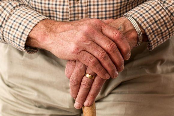 Si al licenziamento dei lavoratori quasi pensionabili