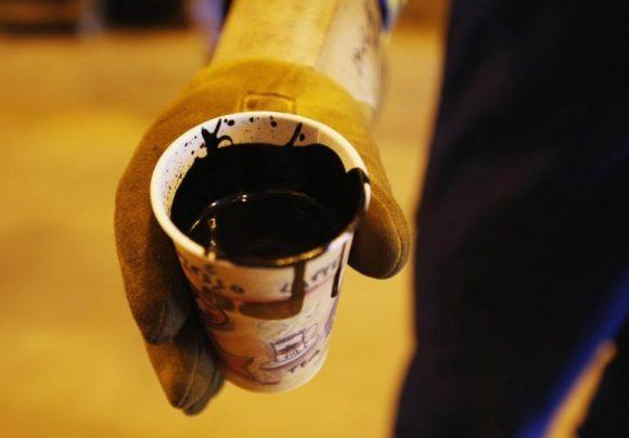 Il petrolio crolla del 4% e trascina in basso i rendimenti USA, cosa succede?