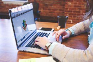 Dipendenti pubblici: borse di studio all'estero per i figli e scadenza