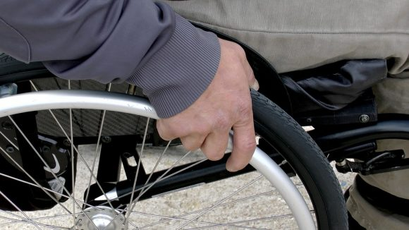 Pensione anticipata con maggiorazione contributiva invalidi: la prima uscita