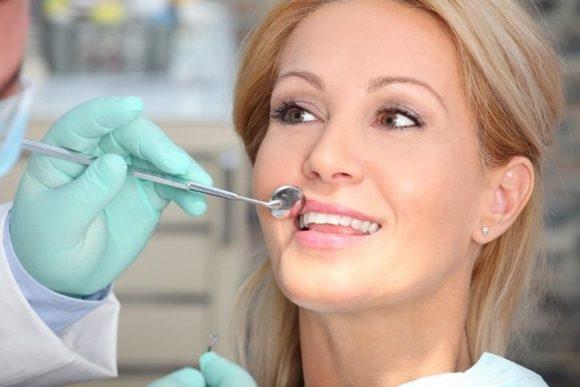 Sbiancare i denti: ecco come procedere