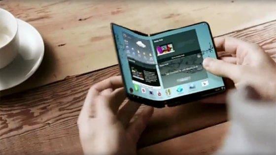 Samsung, lo smartphone pieghevole costerà più di 1.500 euro, mito o realtà?