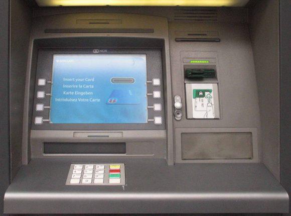 Truffe bancomat e carta di credito: 3 consigli per evitarle