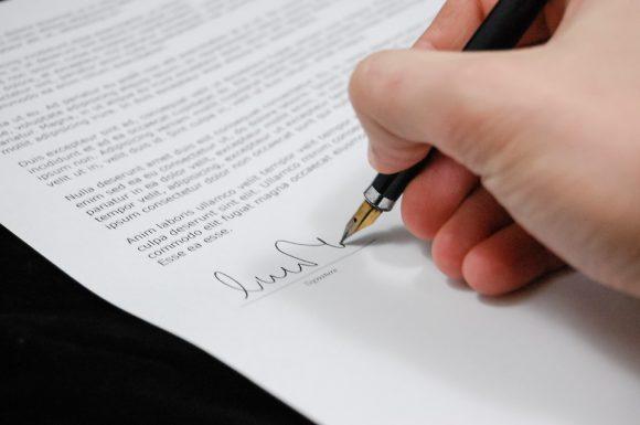 Successione: è possibile semplificare con un certificato?