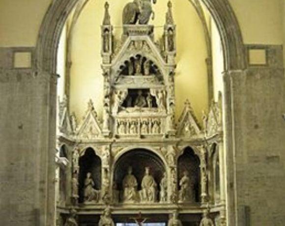 Mausoleo-di-re-Ladislao